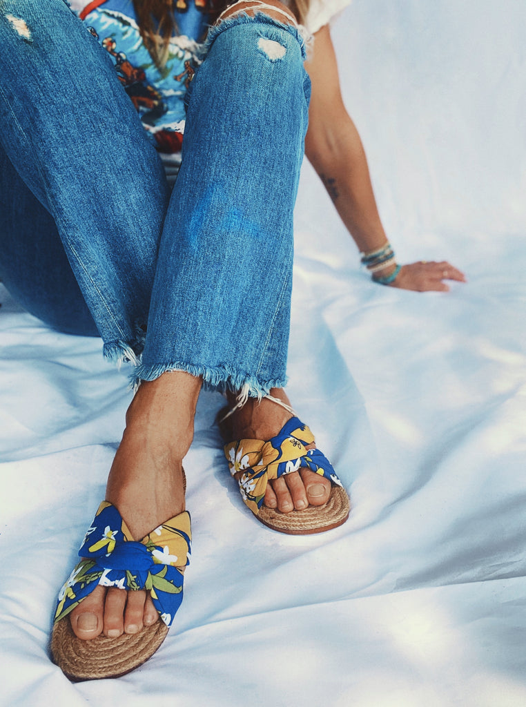 Goldfish Kiss Printed Sandals for Luna & Rose Blue Crush Print