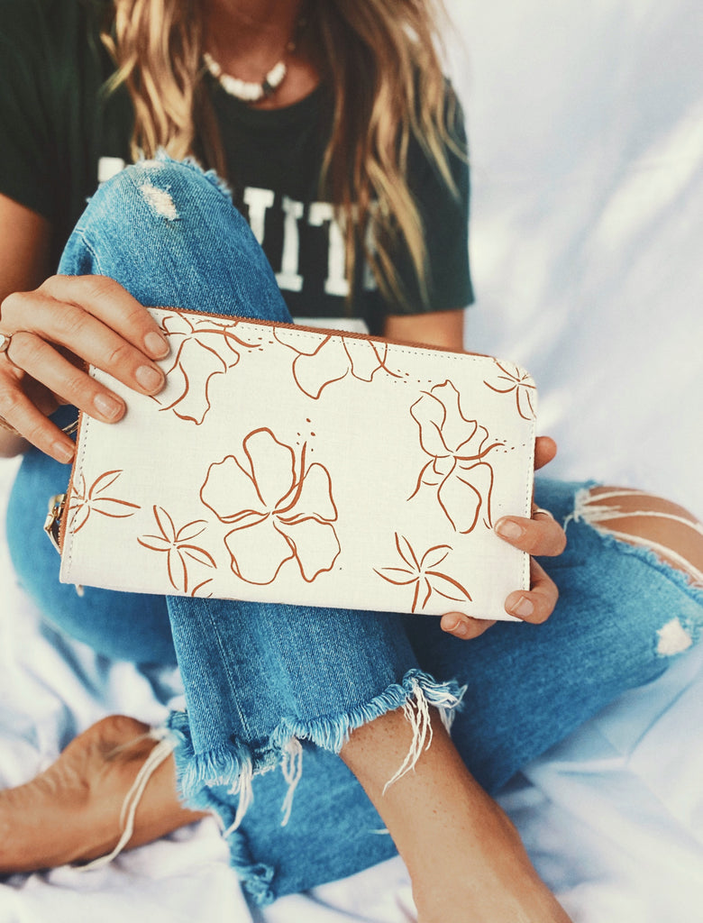 Goldfish Kiss Printed Clutch wallet
