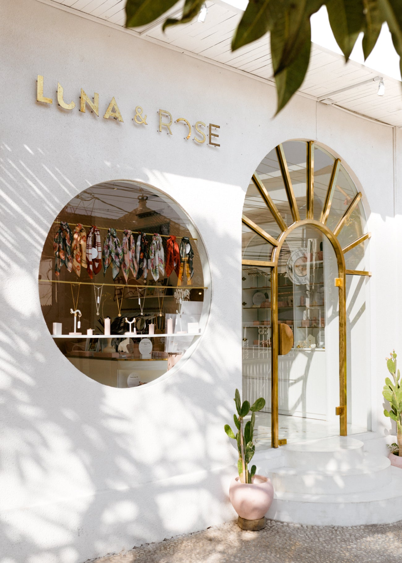Luna & Rose shop in Bali