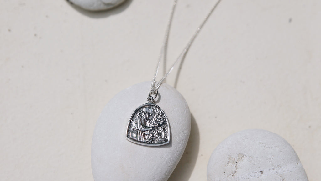 La Luna Rose Patron Saint of Animals - St Asissi Pendant