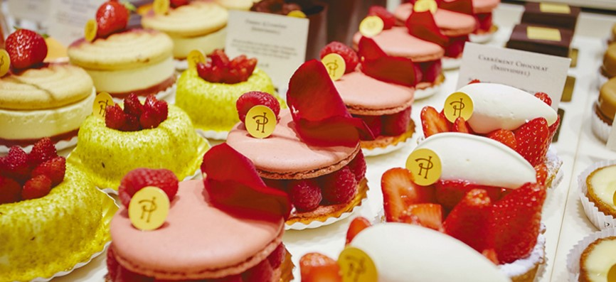 Best Macaroons in the city of Paris, France