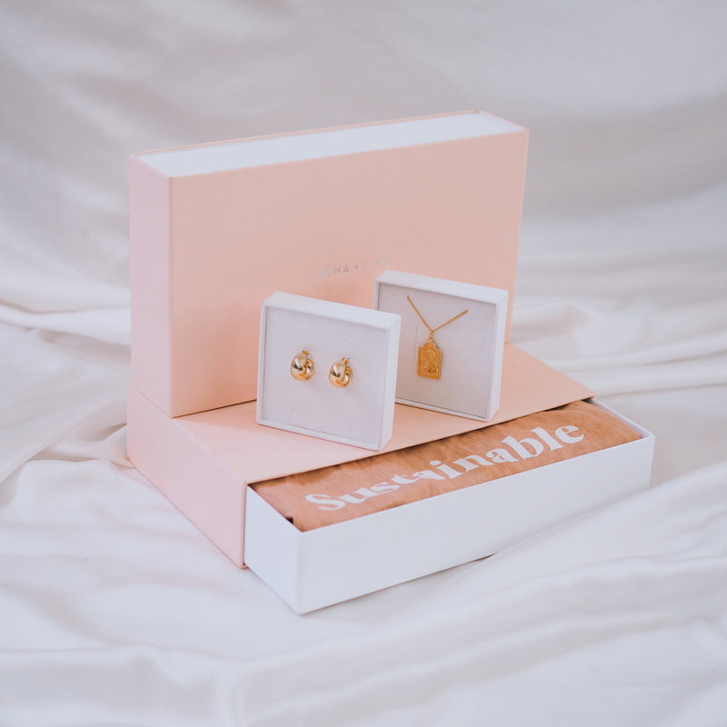 Gift Bundle for all the Mothers, Daughters + Mums to be - Gold