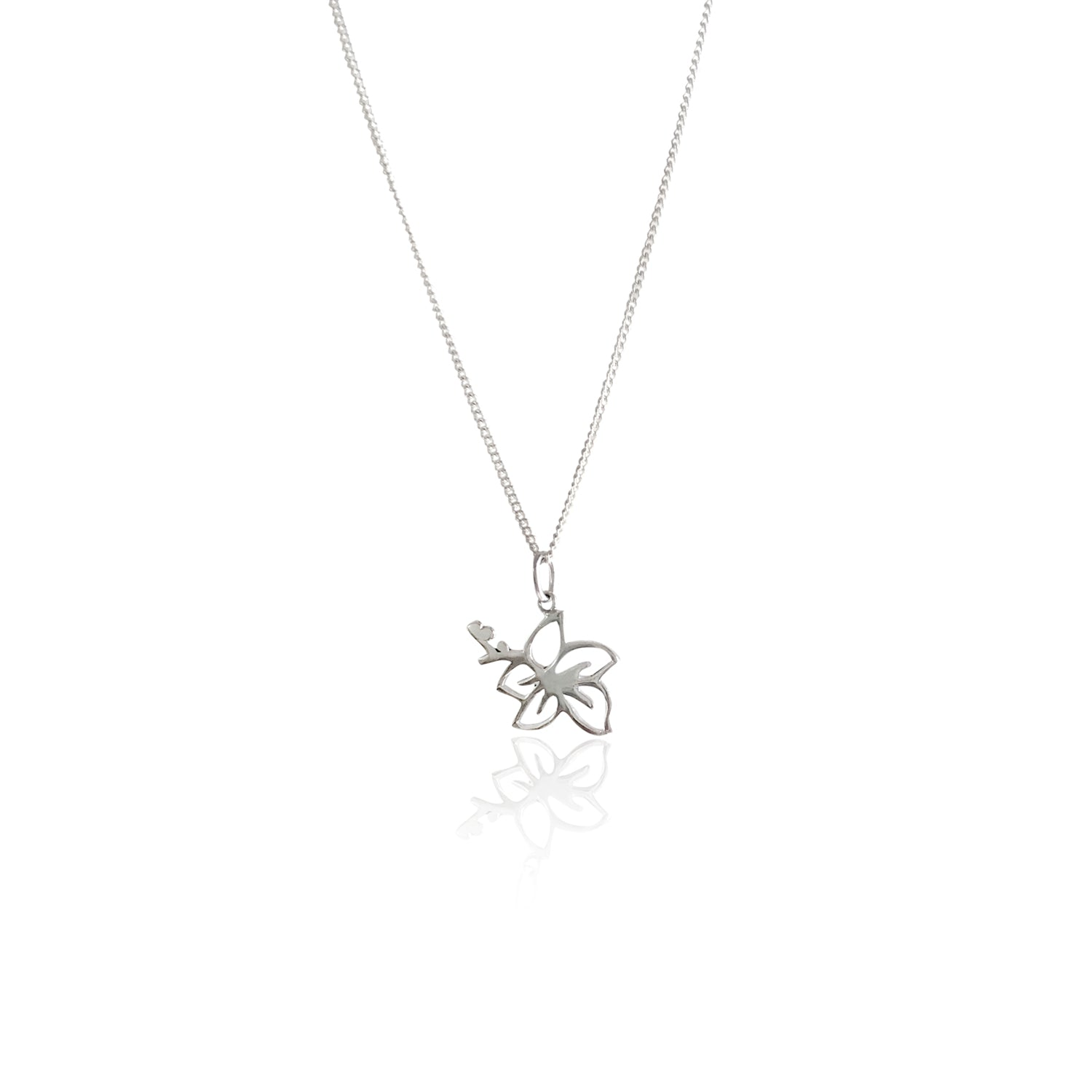 GOLDFISH KISS x LA LUNA ROSE HIBISCUS FLOWER NECKLACE (Silver)