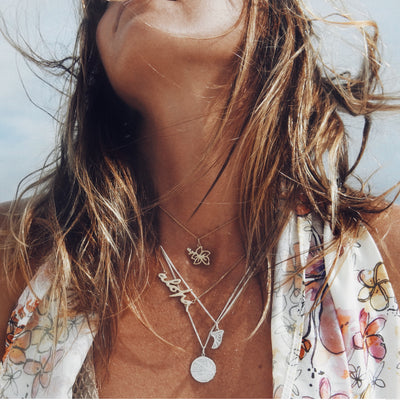 La Luna Rose x Goldfish Kiss Collaboration Surf Fin Necklace  - Gold