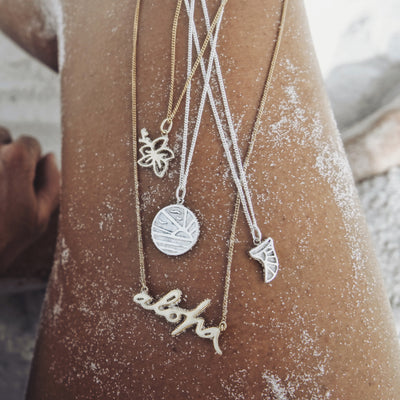 La Luna Rose x Goldfish Kiss Collaboration Hawaii Sunset Necklace Pendant - Silver