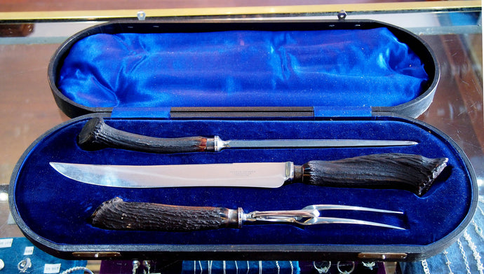 A Boxed Set of 3 Stag Carving Knives