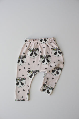 Organic Harem Leggings - Pink Flower Wreath Panda