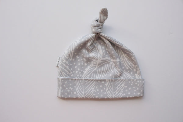 Organic Topknot Baby Beanie - Dreamy Feathers
