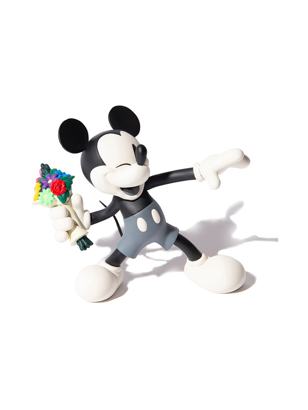 Medicom VCD Throw Mickey Figure Black/White