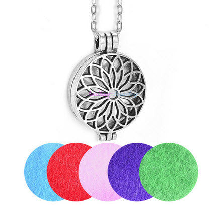 Necklace Flower Essential Oil Diffuser With 5 Pads - AyaZen