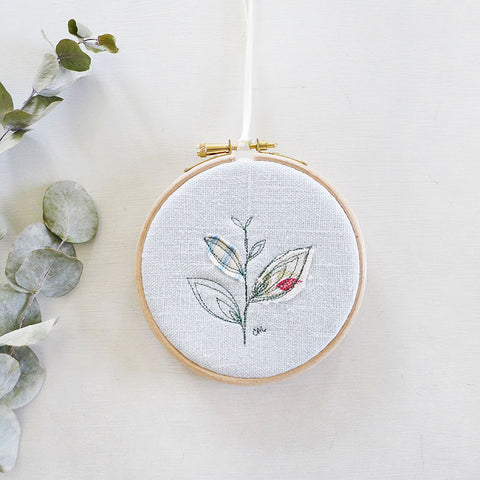 10cm Leaf Embroidered Hoop Picture