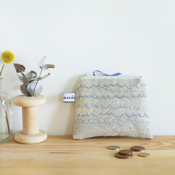 EMBROIDERED LINEN COIN PURSE - blue Waves