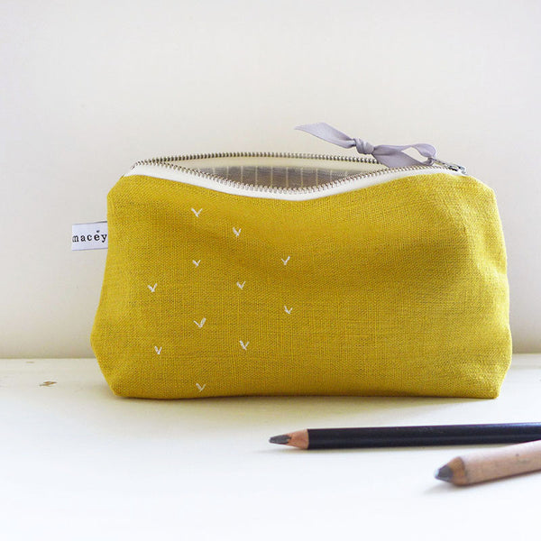 EMBROIDERED MID POUCH - sprigs, mustard