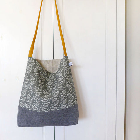 Charcoal Cow Parsley Day Bag