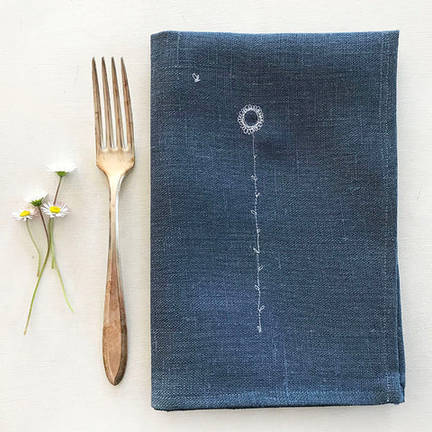 EMBROIDERED LINEN NAPKINS - daisies