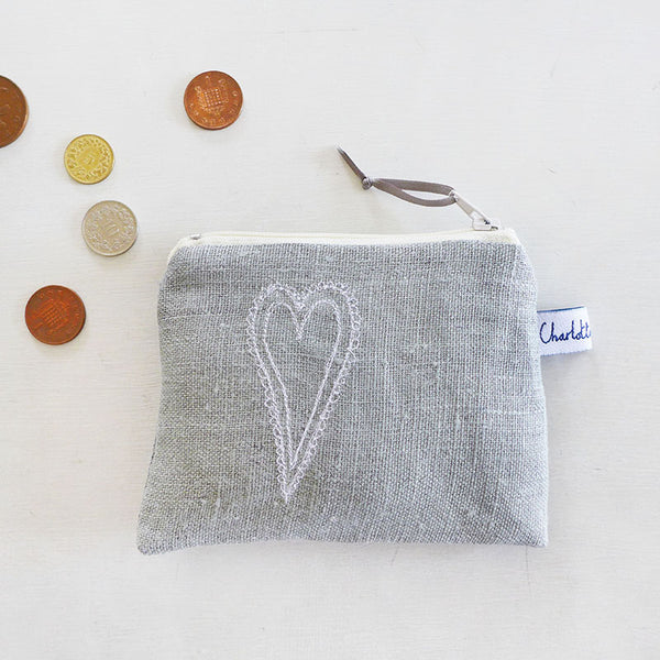 EMBROIDERED COIN PURSE - scandi heart, grey