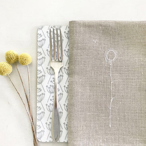 EMBROIDERED LINEN NAPKINS - natural daisy