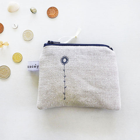 EMBROIDERED COIN PURSE - navy daisy
