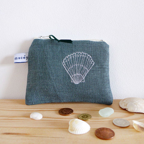 EMBROIDERED LINEN COIN PURSE - grey-green Scallop