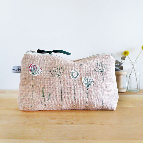 EMBROIDERED LINEN MID POUCH - Wildflowers