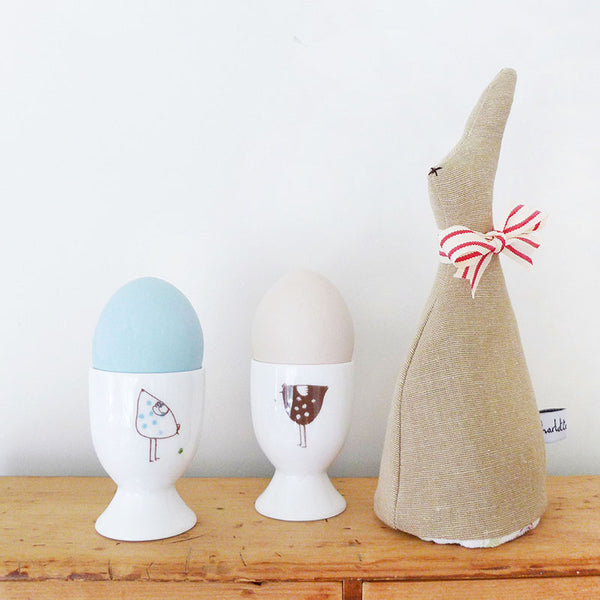 PAIR OF EGG CUPS - Hens
