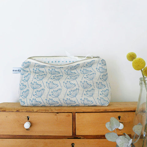 MID POUCH - cow parsley, natural cornish blue