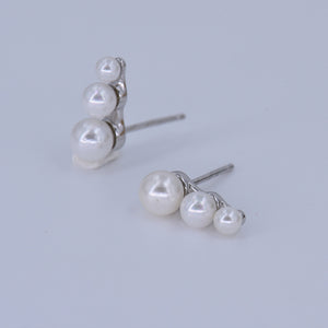 Pearl Stud Earrings [3-Size Cascade] .925 Sterling Silver [Modern Take on Vintage Fashion]