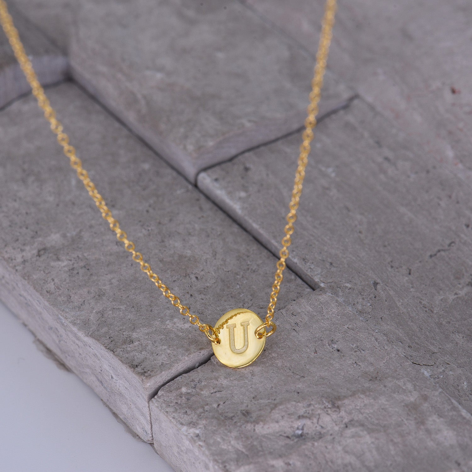 Gold Coin Initial Necklace [ Letter U ] - .925 Sterling [18K Gold Plated] Layer Chain [14 Inch]