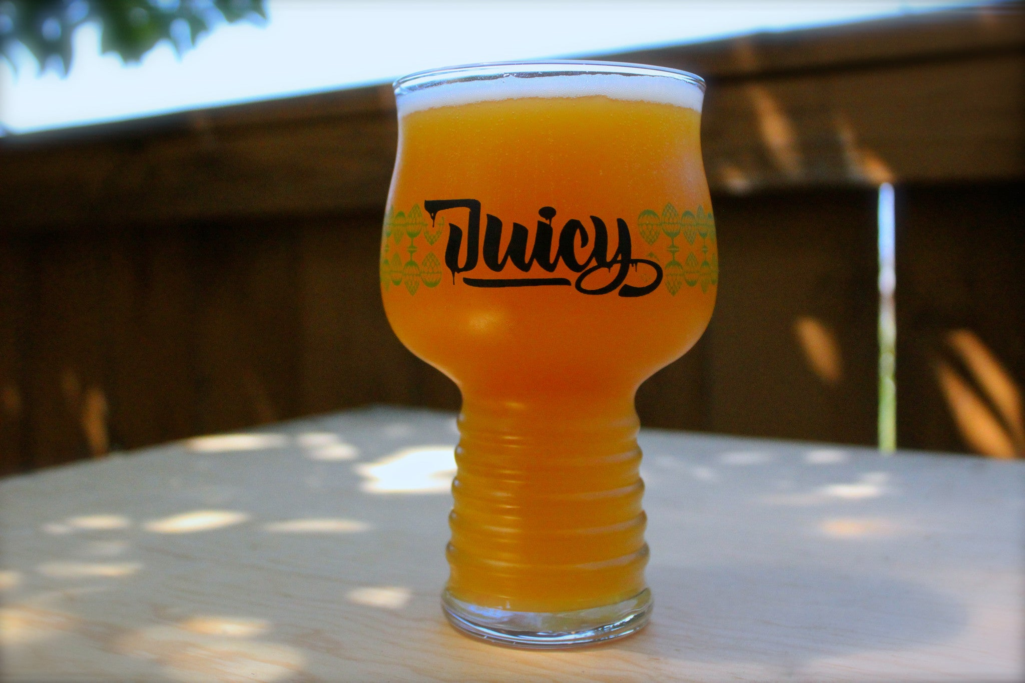 The Juicy Glass | B1