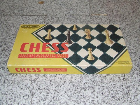 Spears Chess With Stout Board & Plastic Chessmen - Vintage Retro And Vinyl - 1