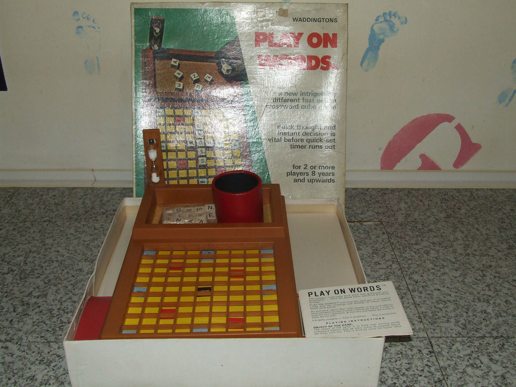 Waddingtons Play On Words-The Portable Cross Cube Word Game - Boxed/Comp - Vintage Retro And Vinyl - 1