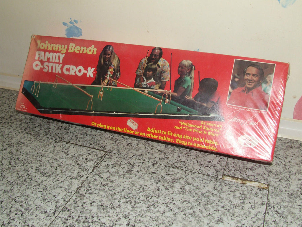 JOHNNY BENCH Family Q-Stick Cro-K Colour Red BNIB 1978 Victory Games - Vintage Retro And Vinyl - 1