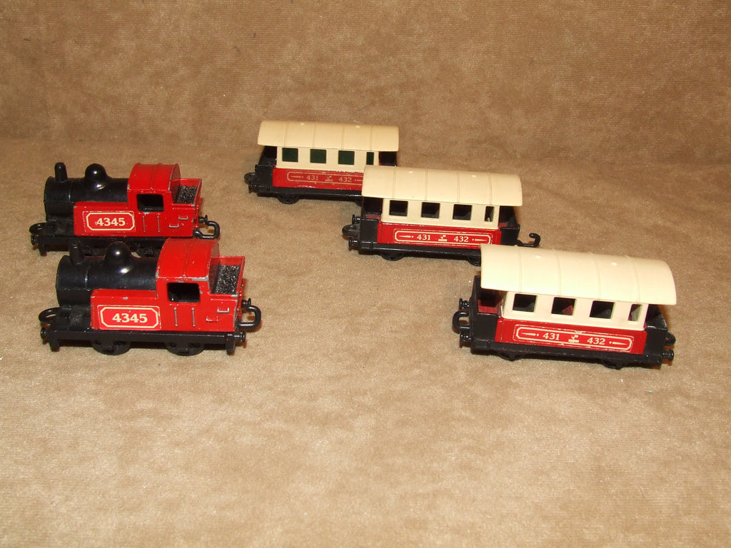 Matchbox 2 Trains And 3 Carriages 4345 Livery Vintage 1970's - Vintage Retro And Vinyl - 1