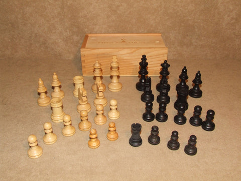 32 Wooden Chess Men Set In Box Chavet Chess Jeux D'Echecs En Buis - Vintage Retro And Vinyl - 1