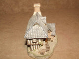 Coopers Cottage - David Winter - Hand Made & Painted - Vintage Ornament 1985 - Vintage Retro And Vinyl - 7