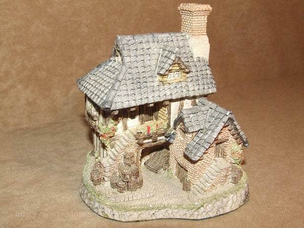 Coopers Cottage - David Winter - Hand Made & Painted - Vintage Ornament 1985 - Vintage Retro And Vinyl - 1