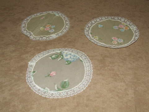 Pretty Doilies - Silk ? Lace Trim - Vintage Retro And Vinyl - 1
