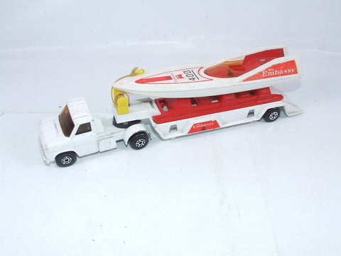 Matchbox K27/3 Ford A Series Embassy Speedboat Transporter