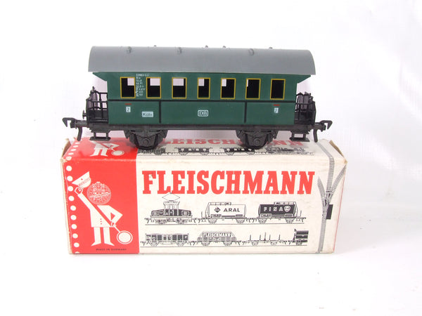 Fleischmann DB Koln 2nd Class Passenger Carriage 5001 HO Scale