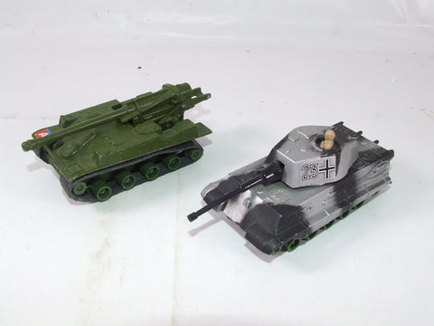 Matchbox Battlekings K104 King Tiger & K107 155mm SP Howitzer
