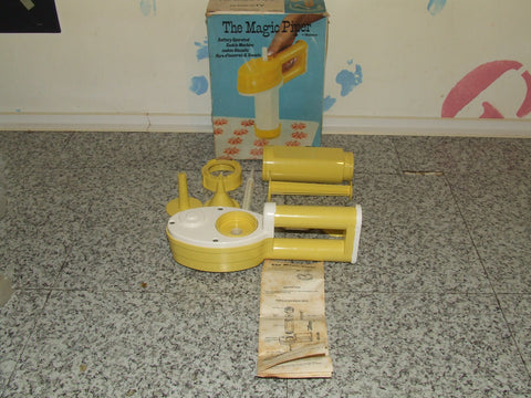 The Magic Piper Battery Operated Cookie Machine - Boxed - Ronco - Vintage 1977 - Vintage Retro And Vinyl - 1