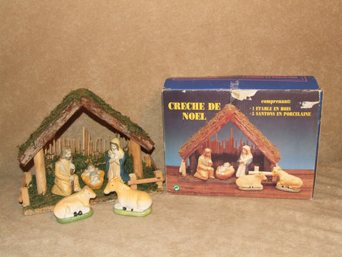 Creche De Noel Wooden Nativity Scene With Porcelain Figures Boxed - Vintage Retro And Vinyl - 1