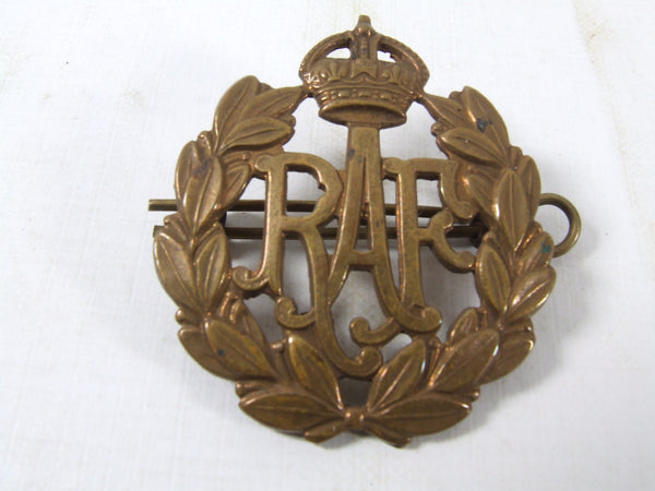 RAF Kings Crown Cap Badge WWII Brass Complete With Split Pin Original