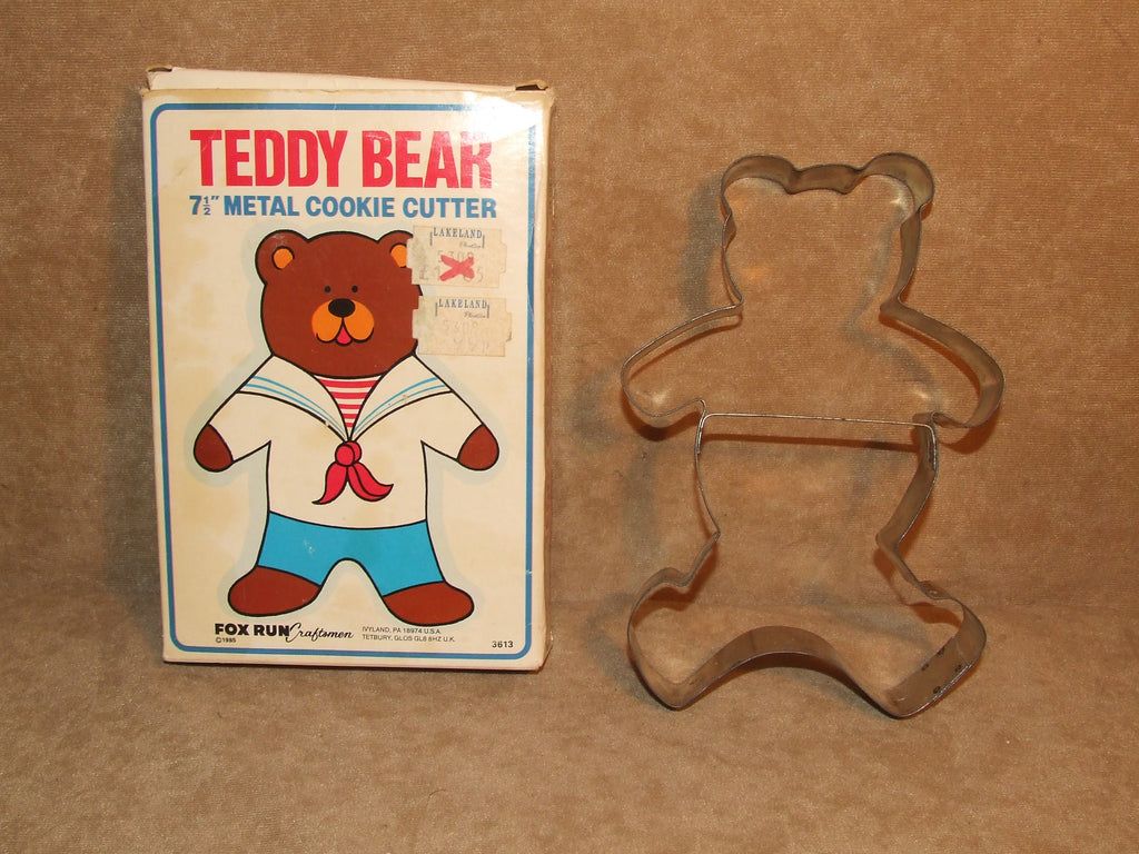 "Teddy Bear Cookie Cutter 7 1/2"" Metal Boxed By Fox Run USA Vintage 1985 - Vintage Retro And Vinyl - 1"