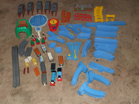 Large Thomas The Tank Engine Track & Engines Bundle Incl.Turntable & Sheds - Vintage Retro And Vinyl - 1