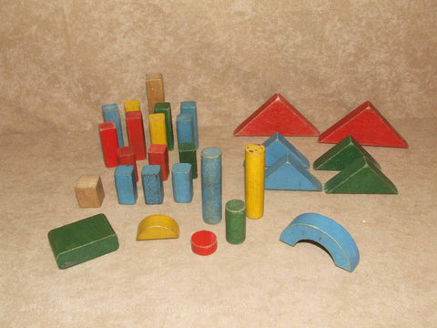 Assortment Of Coloured Vintage Wooden Building Blocks 29 In Total - Vintage Retro And Vinyl - 1