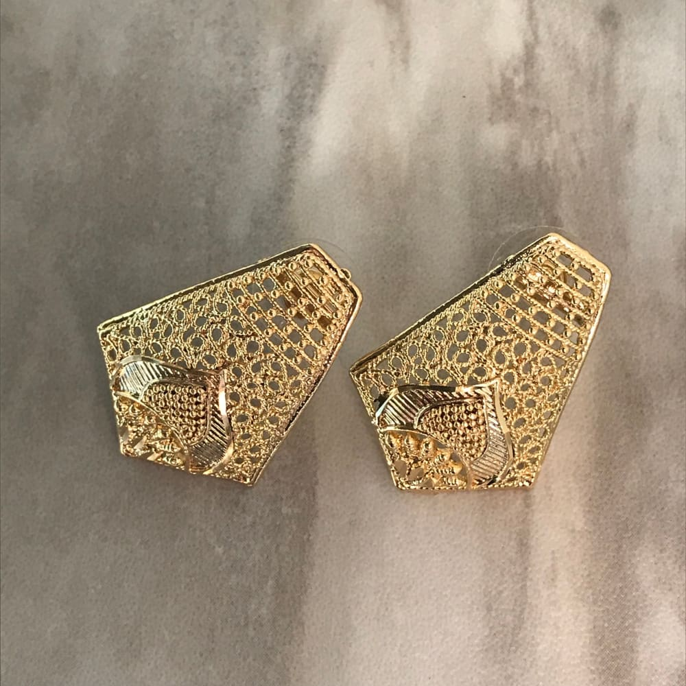 Filigree Rectangular 18Kts Of Gold Plated Studs Earrings Earrings