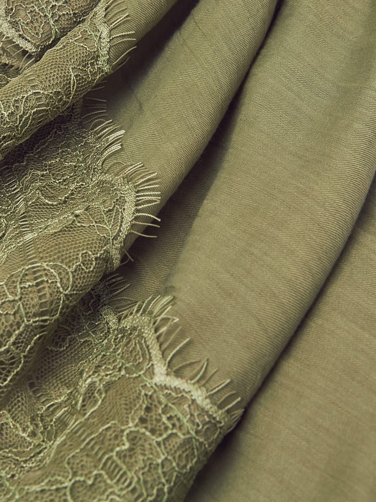 Tonal French Lace Voile Hijab