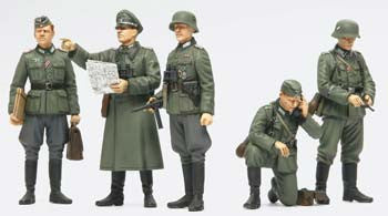 Tamiya 1/35 German Field Commander Set (ICM)	TAM35298