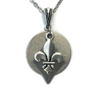 Silver-toned Patina Layered Fleur-de-lis Pendant Necklace